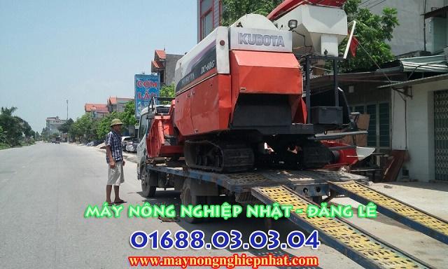 bán máy gặt đập liên hợp kubota dc68g đi ở tại bắc ninh bắc giang của hàng bán phụ tùng máy gặt