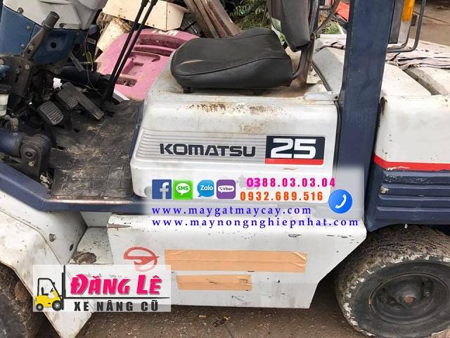 Xe nâng hàng cũ komatsu fd25-11